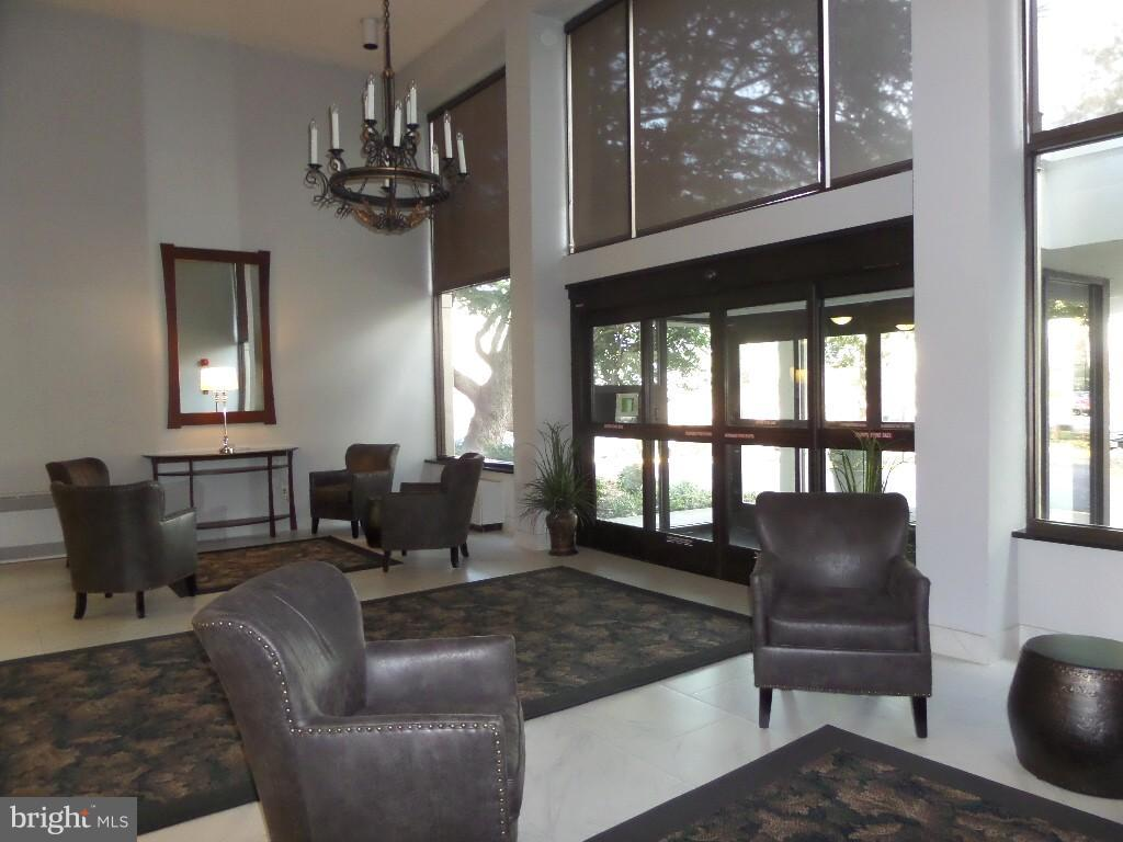 Main Lobby - 2059 HUNTINGTON AVE #211, ALEXANDRIA