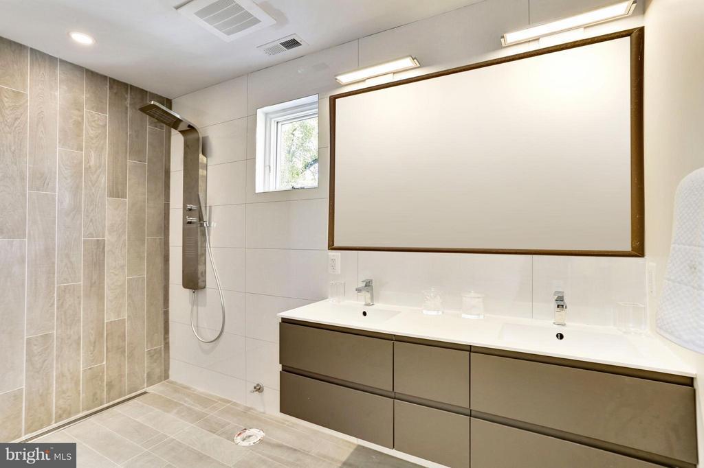 Bath (Master) - 1468 BELMONT ST NW #3 EAST, WASHINGTON