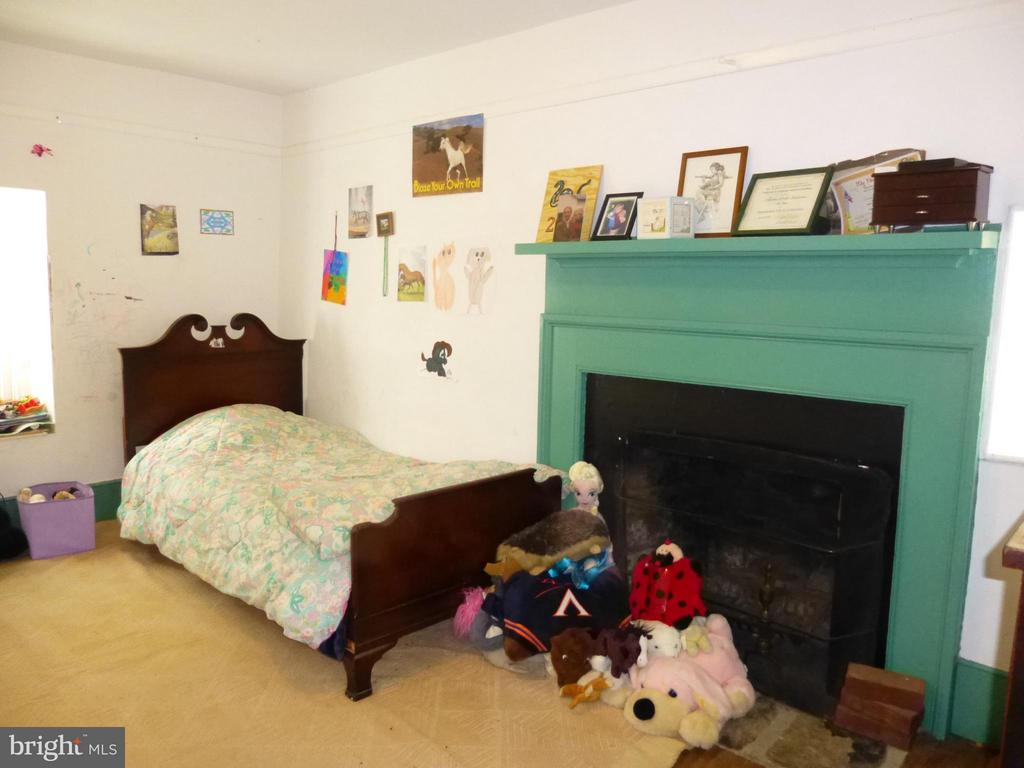 Main level Bedroom or Study - 437 YANCEY RD, WOODVILLE