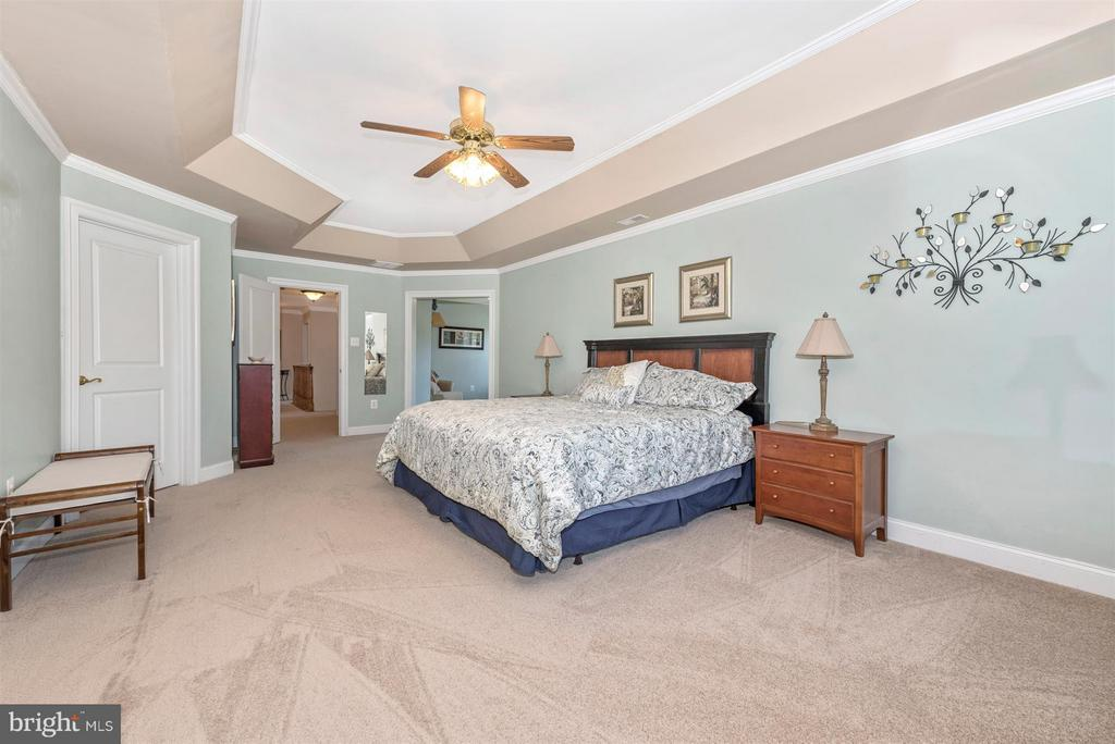 Master Bedroom with Sitting Room - 6103 RIVER VIEW CT, FREDERICK
