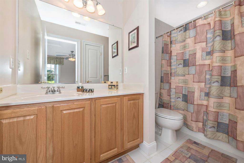 En Suite Bathroom Bedroom 4 - 6103 RIVER VIEW CT, FREDERICK