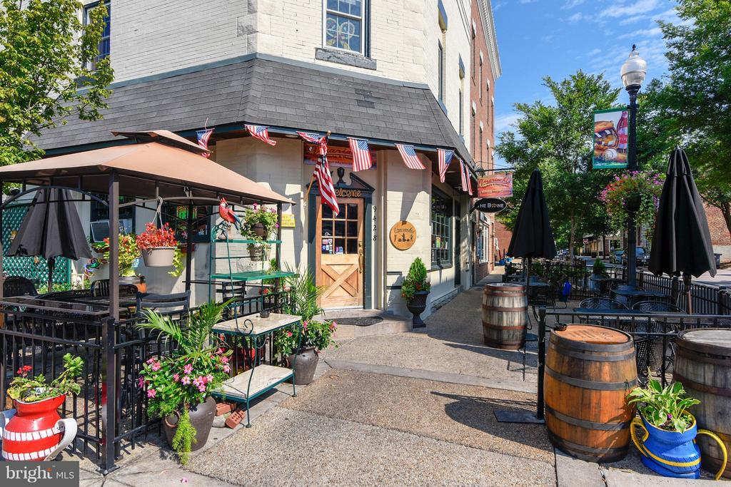 Shops and Dining - 9102 EWELL ST, MANASSAS