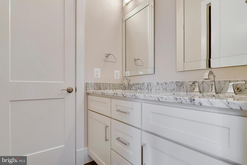 Full Bath shared with Bedroom 2 & 3 - 9102 EWELL ST, MANASSAS