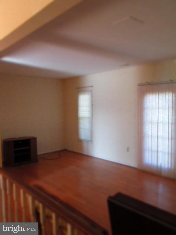 Living Room - 9211 HUMMINGBIRD TER, GAITHERSBURG