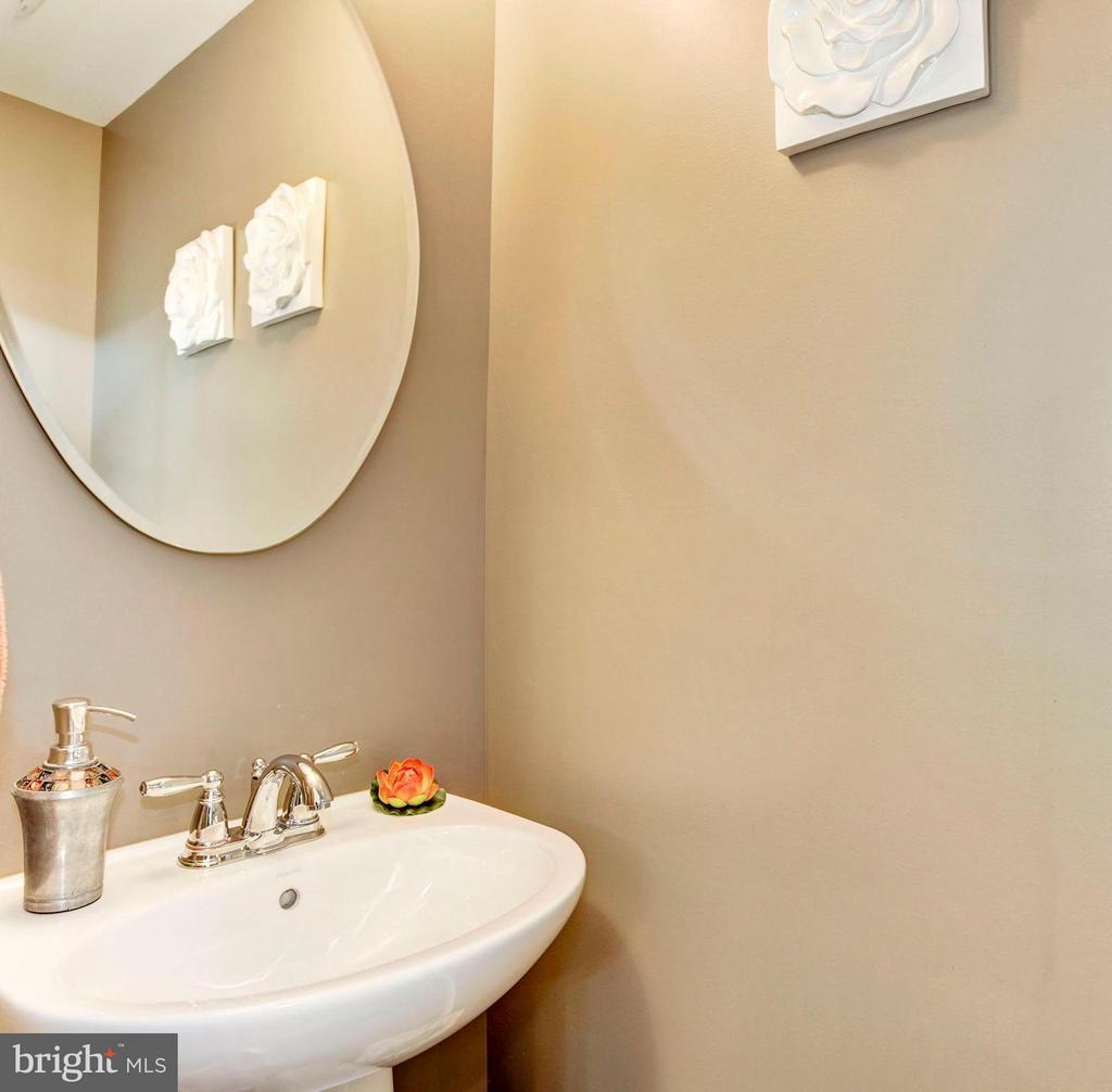 Bath - 1718 ROCKLEDGE TER, WOODBRIDGE