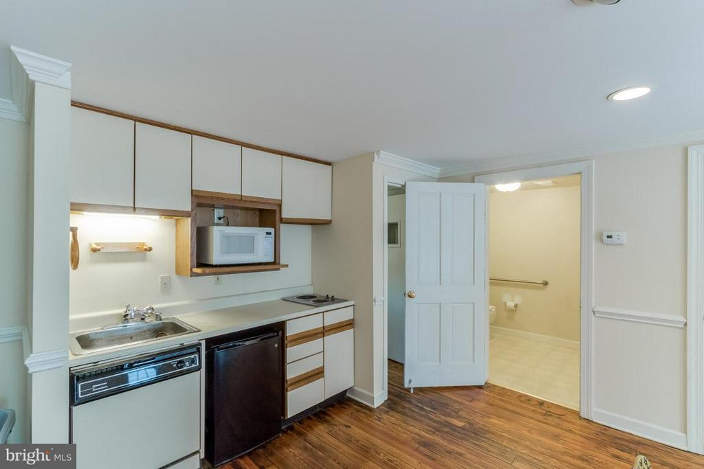 Kitchenette - 15481 SECOND ST, WATERFORD