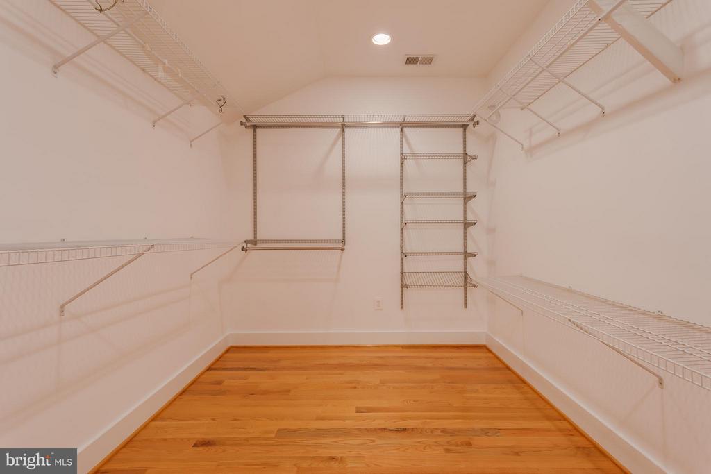 Expansive Master Bedroom Closet - 35 ABERDEEN ST S, ARLINGTON