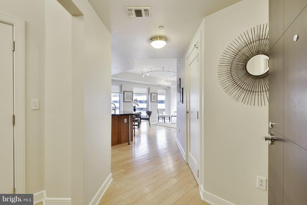 Hallway - 1111 19TH ST N #1603, ARLINGTON