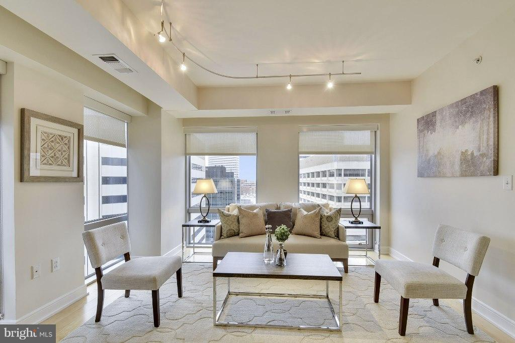 Living Room - 1111 19TH ST N #1603, ARLINGTON