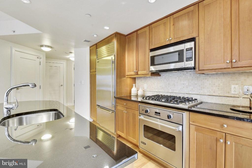 Kitchen - 1111 19TH ST N #1603, ARLINGTON