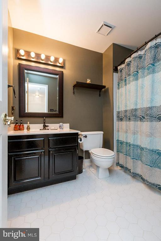 Full Bath Bedrooms 2/3 Level - 14110 GALLOP TER, GERMANTOWN