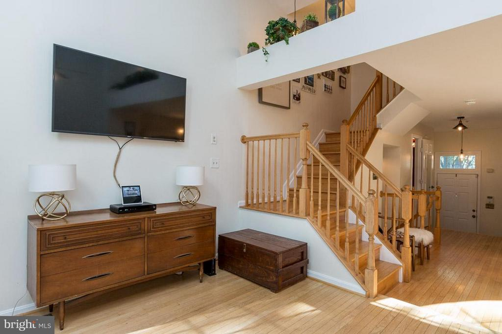 Steps to Bedroom Levels - 14110 GALLOP TER, GERMANTOWN