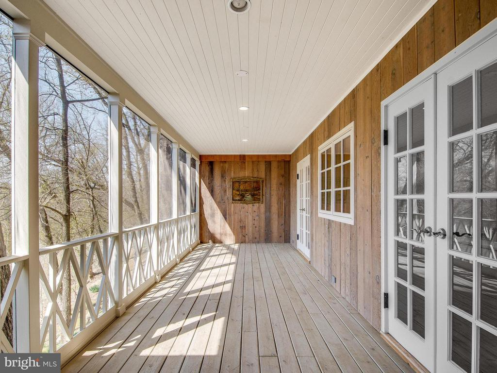 Large Screened Porch off Dining Room - 23057 KIRK BRANCH RD, MIDDLEBURG