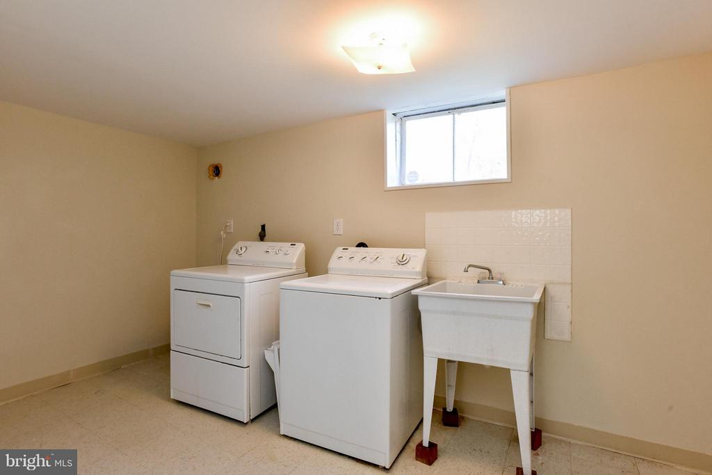 Basement  Laundry room - 6703 41ST AVE, UNIVERSITY PARK