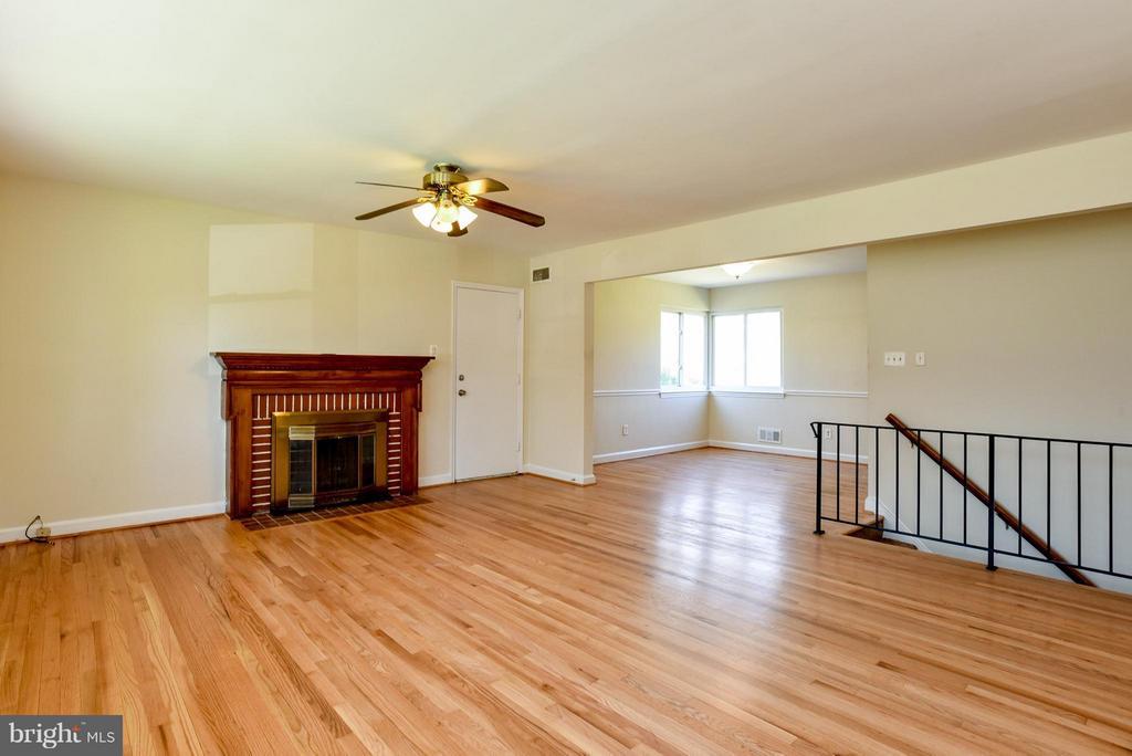 Living Room - 6703 41ST AVE, UNIVERSITY PARK