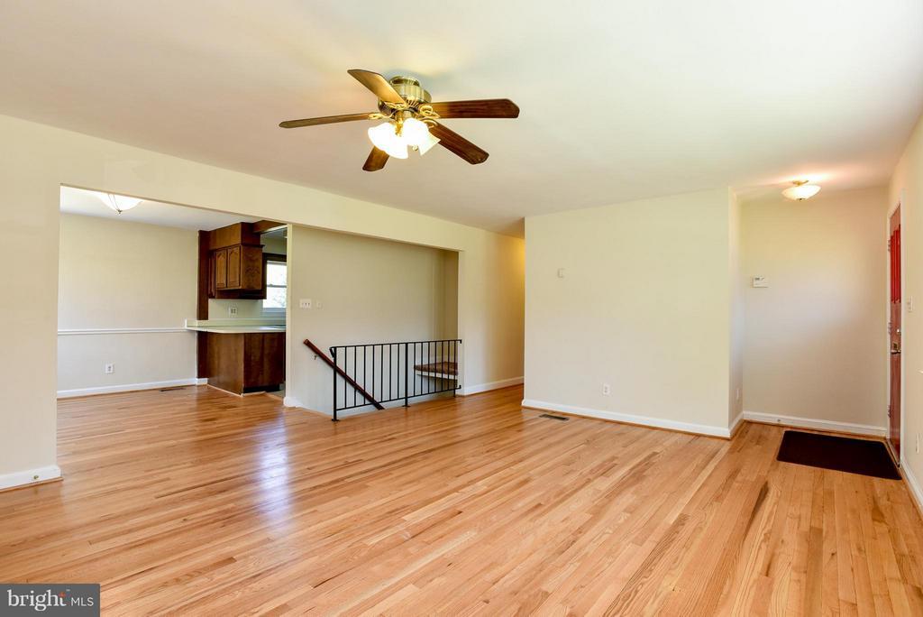 Living room/dinning room - 6703 41ST AVE, UNIVERSITY PARK