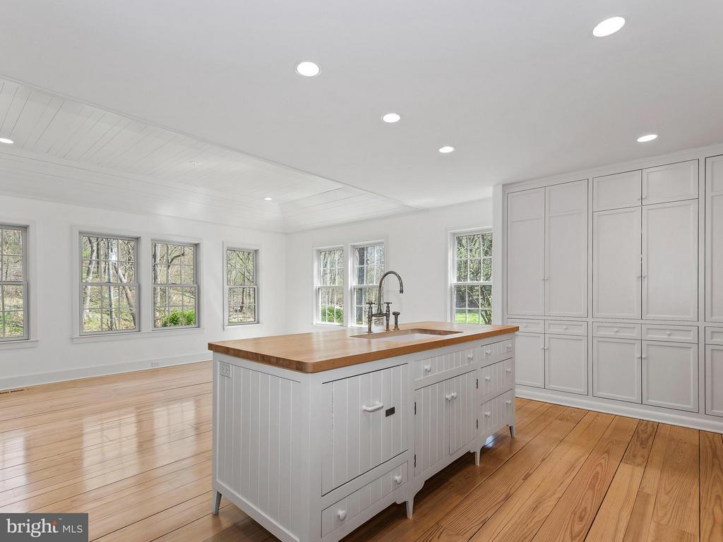 Recessed Lighting throughout - 23057 KIRK BRANCH RD, MIDDLEBURG