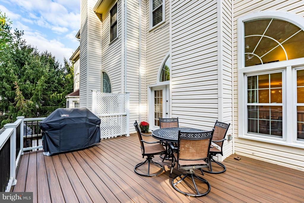 Large Deck off Living Room - 14110 GALLOP TER, GERMANTOWN