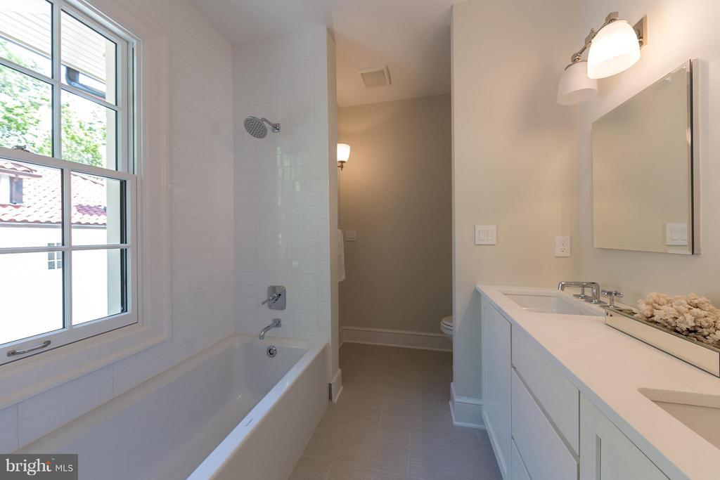 Bath - 3515 WOODLEY RD NW, WASHINGTON
