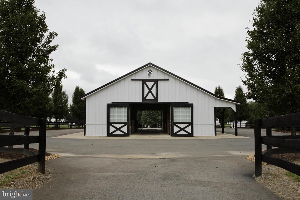 Barn - 550 MOUNT OLIVE RD, FREDERICKSBURG
