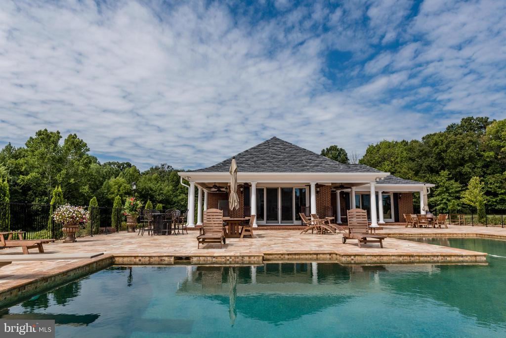 Pool House - 550 MOUNT OLIVE RD, FREDERICKSBURG
