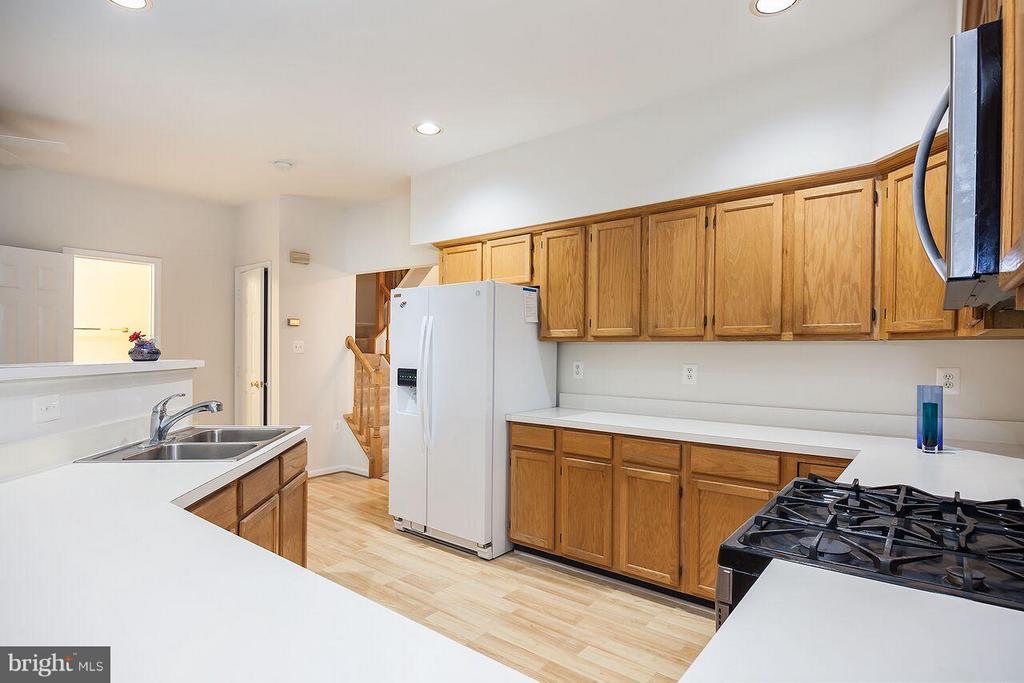 Kitchen - 21164 MILLWOOD SQ, STERLING