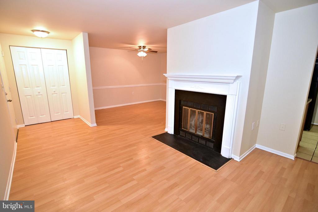 Living Room - 13128 WONDERLAND WAY #22-104, GERMANTOWN