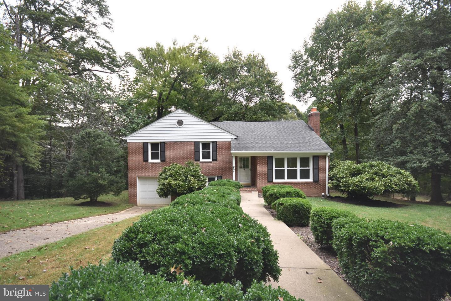 Other Residential for Rent at 204 West Locust St Occoquan, Virginia 22125 United States