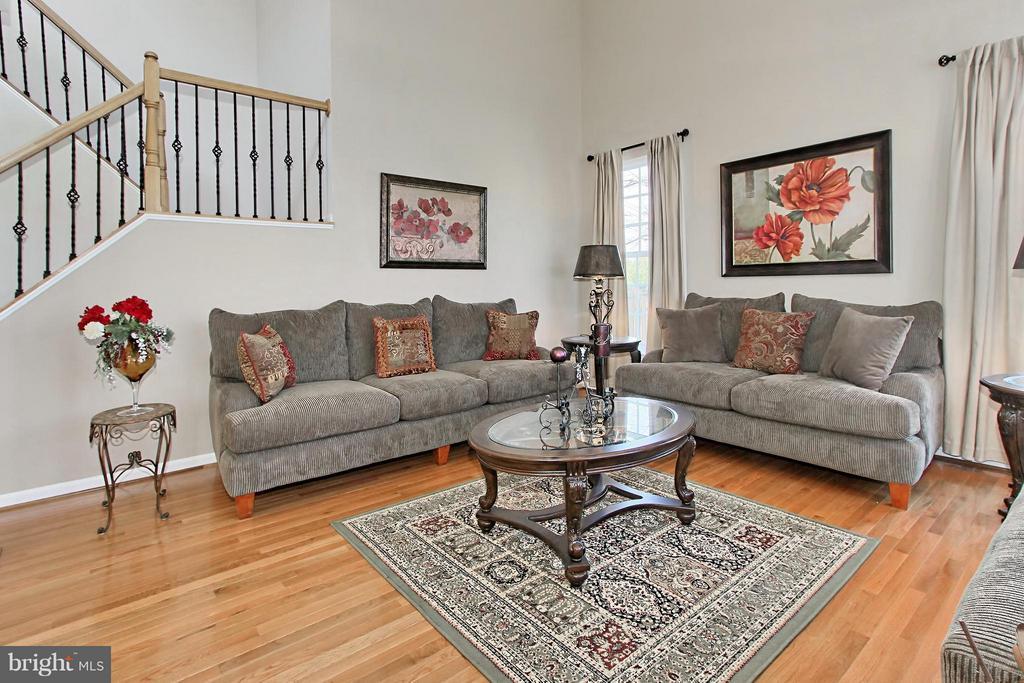 Living Room - 9381 WORTHINGTON DR, BRISTOW