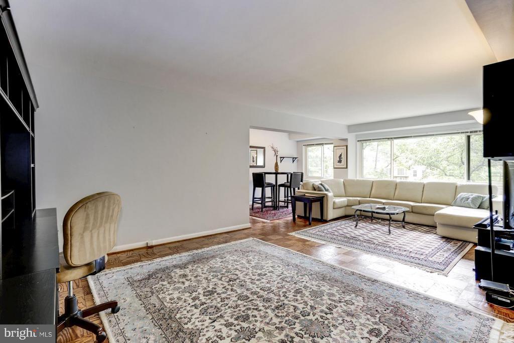 Living Area - 4201 CATHEDRAL AVE NW #603E, WASHINGTON