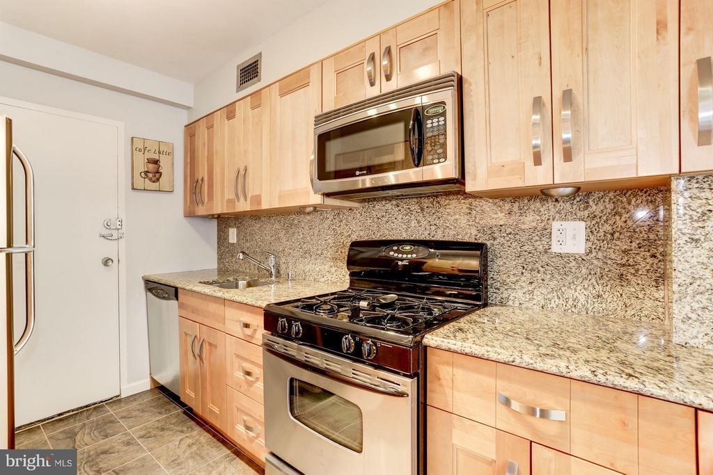 Kitchen - 4201 CATHEDRAL AVE NW #603E, WASHINGTON