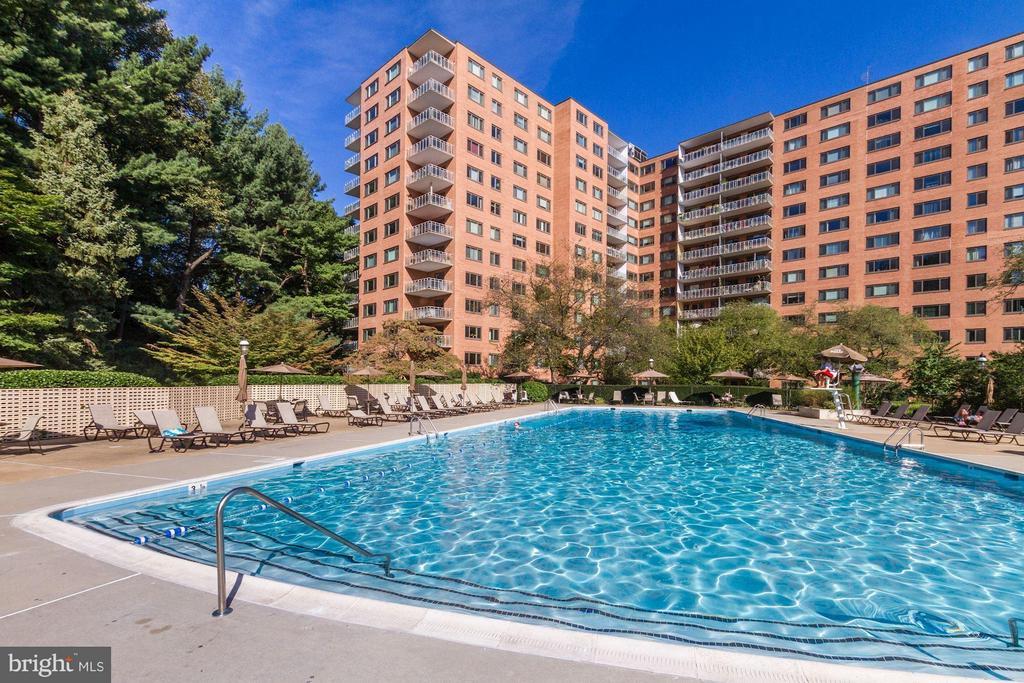 Pool - 4201 CATHEDRAL AVE NW #603E, WASHINGTON