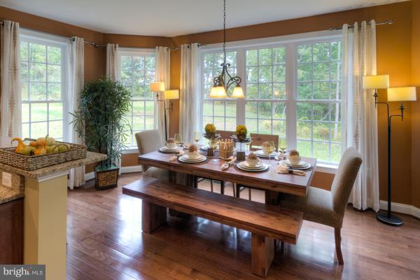 Morning Room off of Kitchen for Casual Dining - 12245 CLIFTON POINT RD, CLIFTON