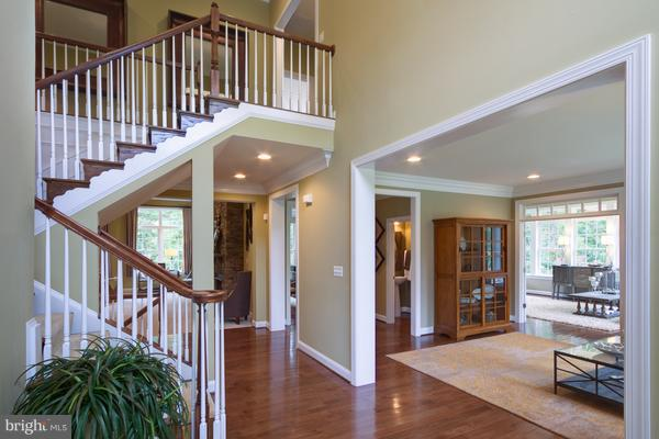 Stunning 2 Story Foyer - 12245 CLIFTON POINT RD, CLIFTON