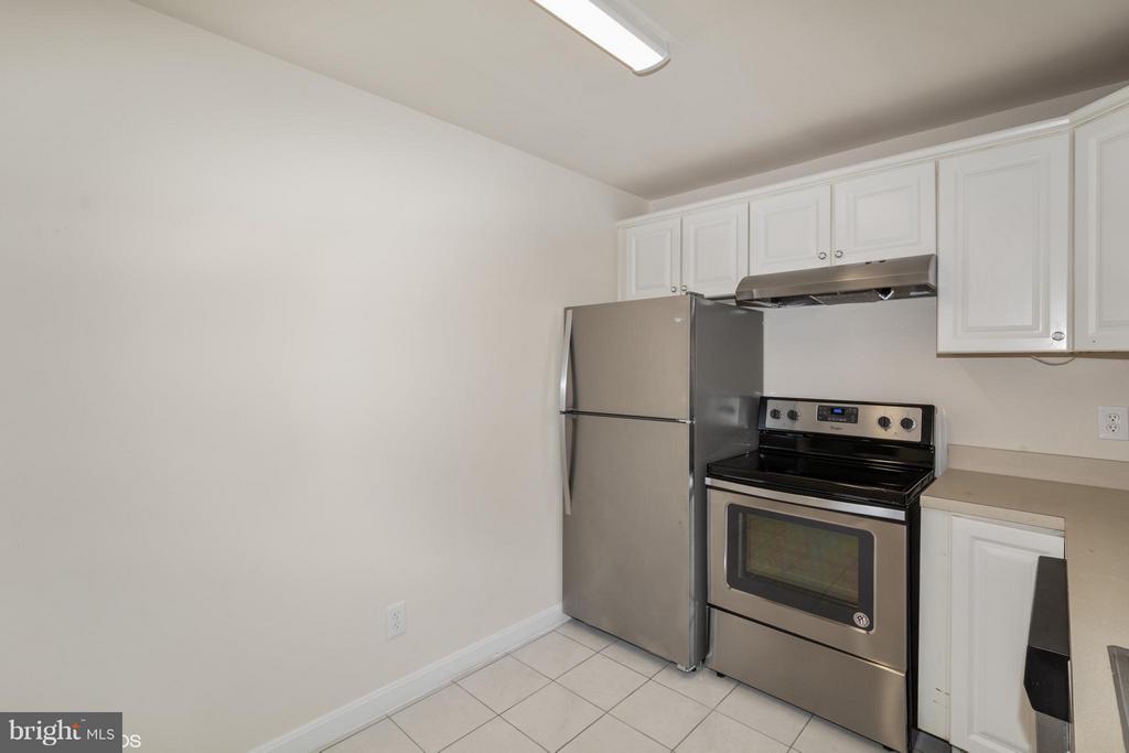 Kitchen - 1776 WESTWIND WAY #96, MCLEAN