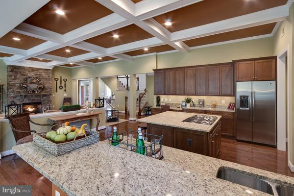 Gourmet Kitchen for the Home Chef - 12245 CLIFTON POINT RD, CLIFTON