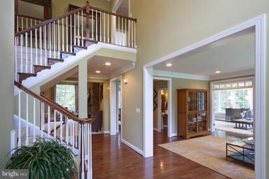Grand 2 Story Foyer - 12360 HENDERSON RD, CLIFTON