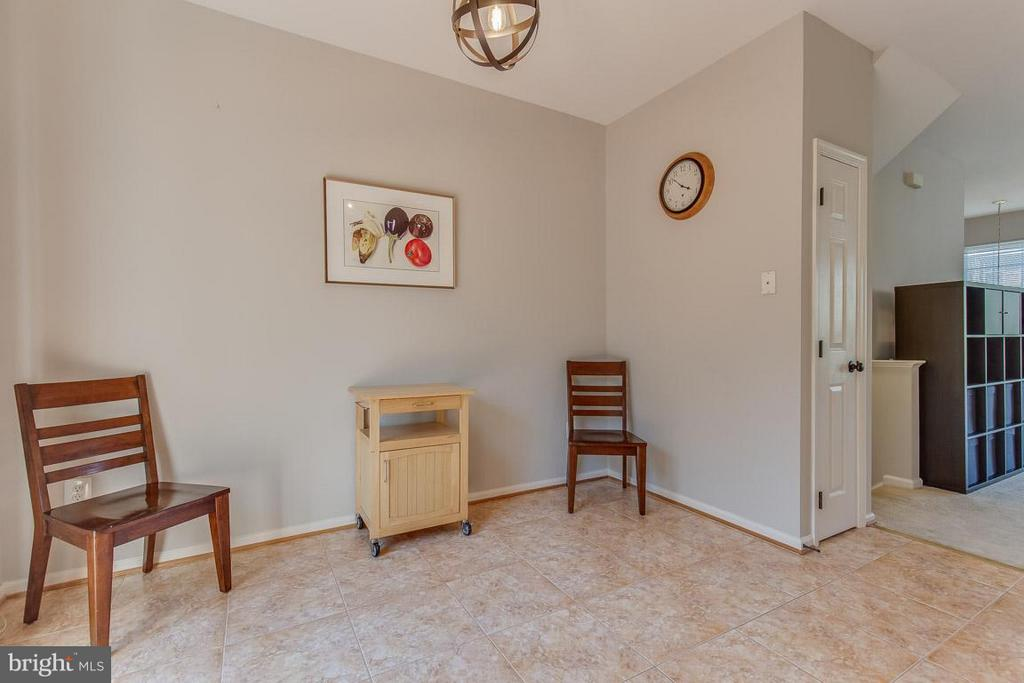 Use for table space or sitting area - 14817 EDMAN RD, CENTREVILLE