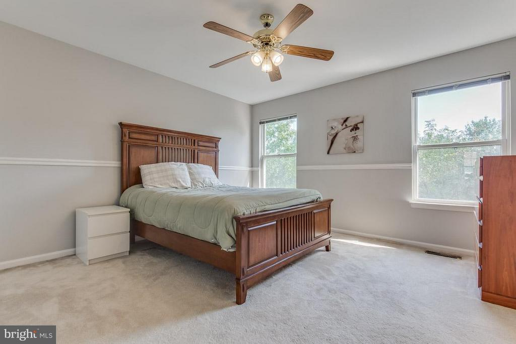 Fantastic Master bedroom space - 14817 EDMAN RD, CENTREVILLE