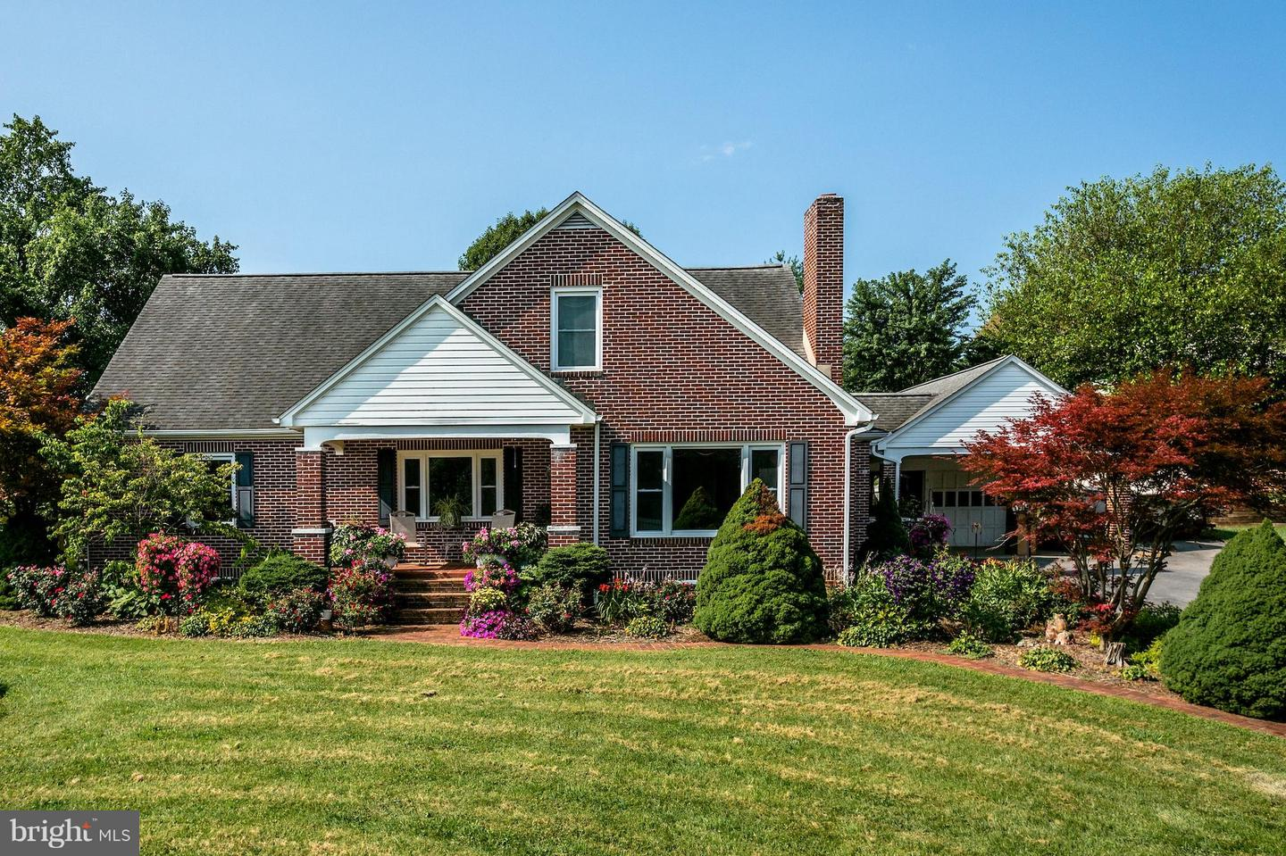 Single Family for Sale at 166 Turner Ave Broadway, Virginia 22815 United States