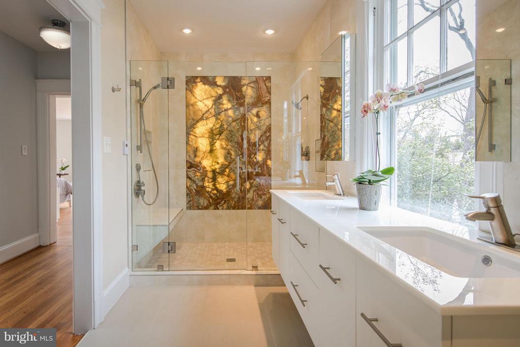 Bath (Master) - 3430 34TH PL NW, WASHINGTON