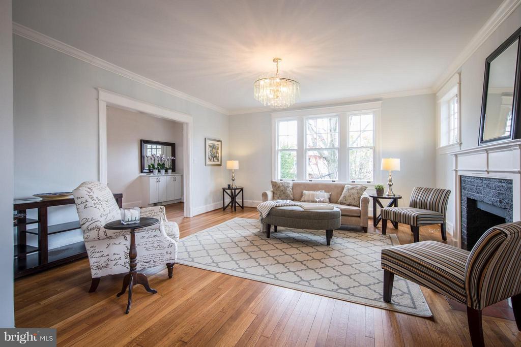 Living Room - 3430 34TH PL NW, WASHINGTON