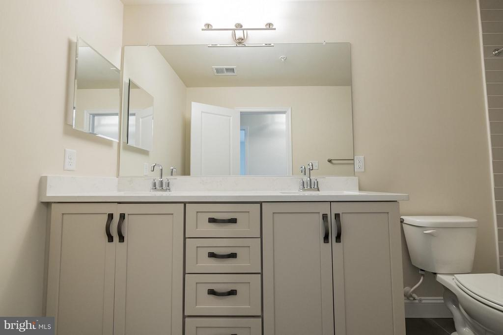 Dual sinks - 2020 CONLEY CT, SILVER SPRING