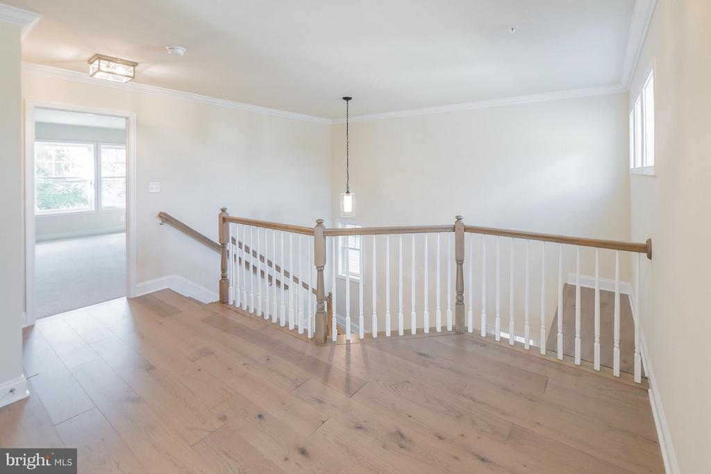 Upstairs landing - 2020 CONLEY CT, SILVER SPRING
