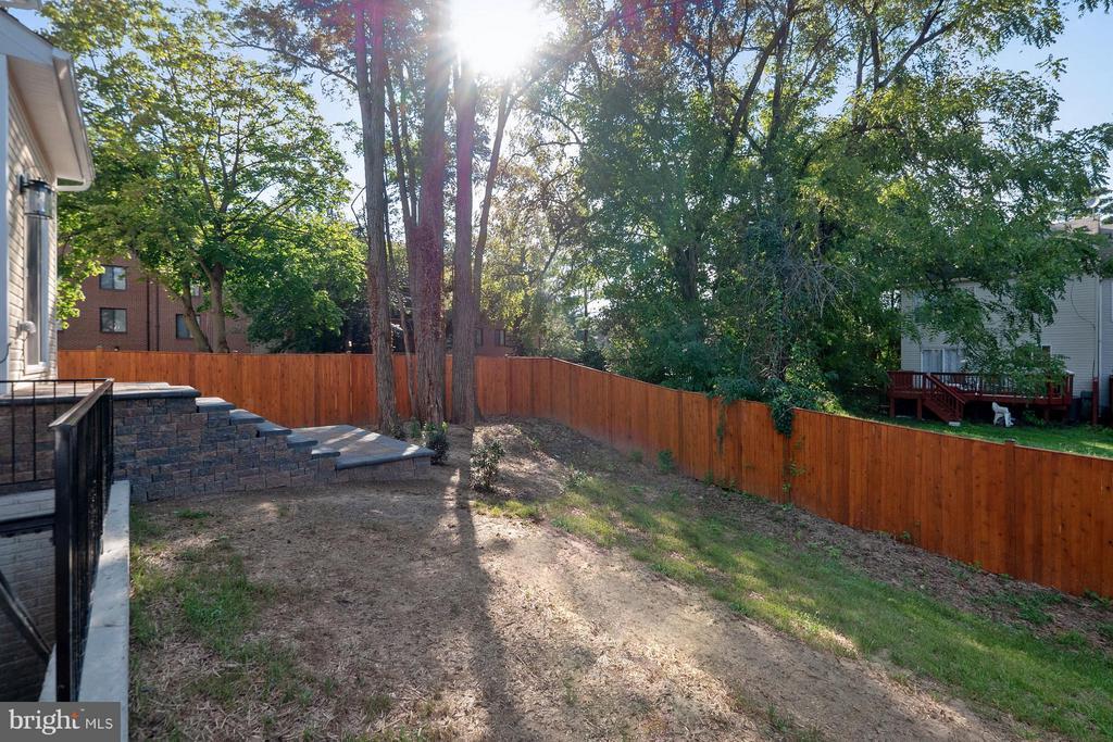 Fenced in yard - 2020 CONLEY CT, SILVER SPRING