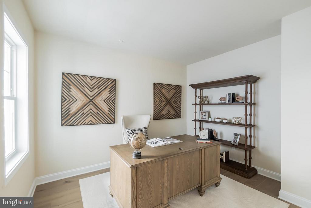 Home office on main level - 2020 CONLEY CT, SILVER SPRING
