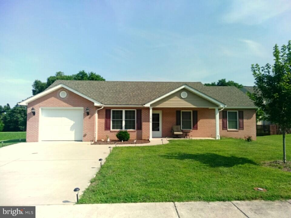 Single Family for Sale at 1414 Wright St Front Royal, Virginia 22630 United States