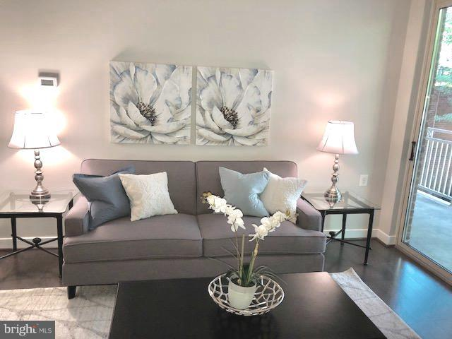 Open Floor plan in Family Room - 7500 WOODMONT AVE #S217, BETHESDA