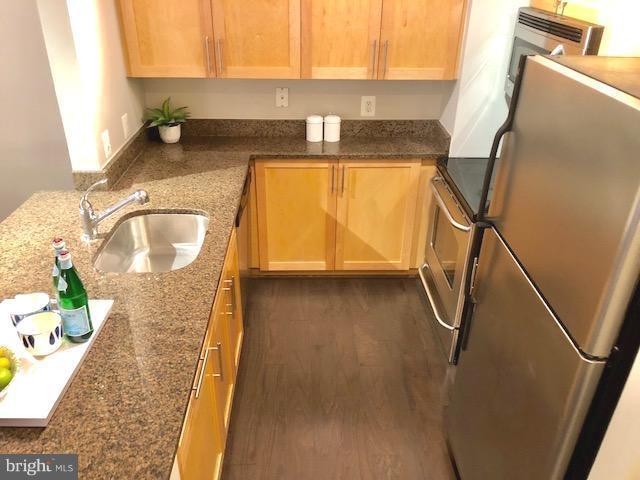Kitchen - 7500 WOODMONT AVE #S217, BETHESDA