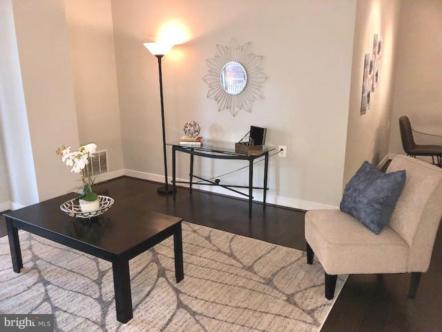 Family Room - 7500 WOODMONT AVE #S217, BETHESDA